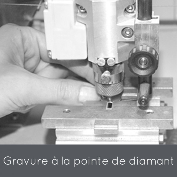 Gravure machine à la pointe de diamant - bijoux