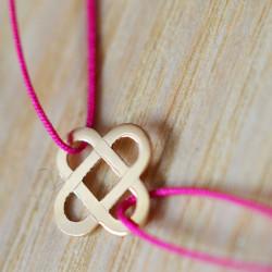 Mini croix entrelacée