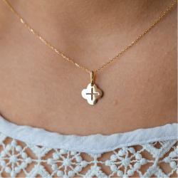 Mini croix trèfle pendentif