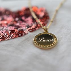 Collier chaine perlé jeton Joséphine argent finition or jaune