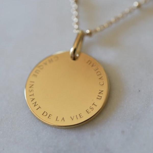 Pendentif La vie est un cadeau doré