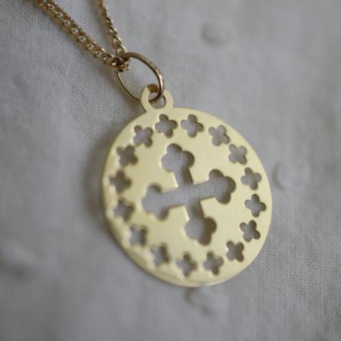 Médaille croix grecque ajourée