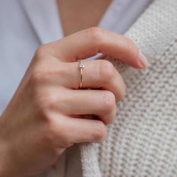 """Bague """"Eclats de vie"""" diamants et pierre ronde 0,030 carats"""